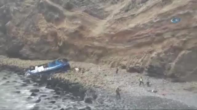 Otobüs uçuruma devrildi: 48 ölü