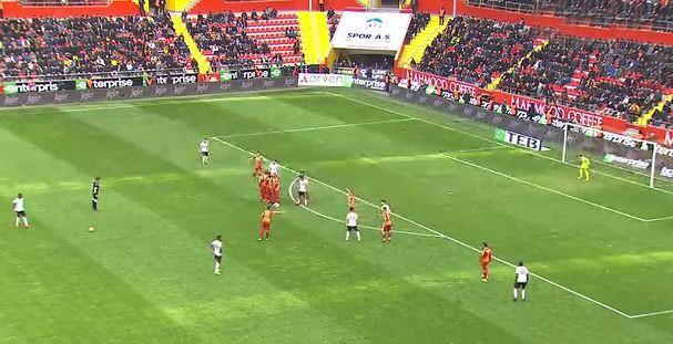 Robinho'dan Hamit Altıntop golü