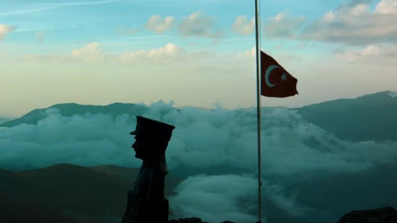 Koç Holding'den Muhteşem 10 Kasım Videosu!