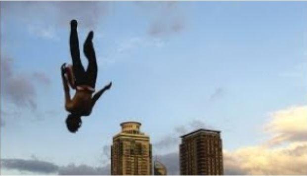 Ünlü sporcu 65'inci kattan düşerek hayatını kaybetti!